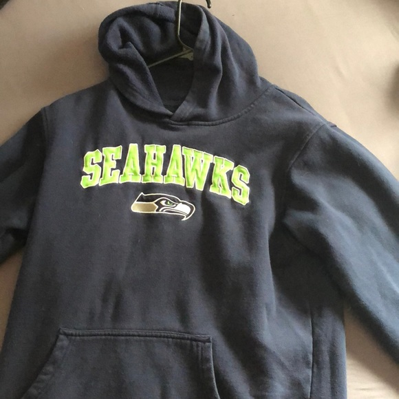 28bbe268 Warm Seahawks sweatshirt